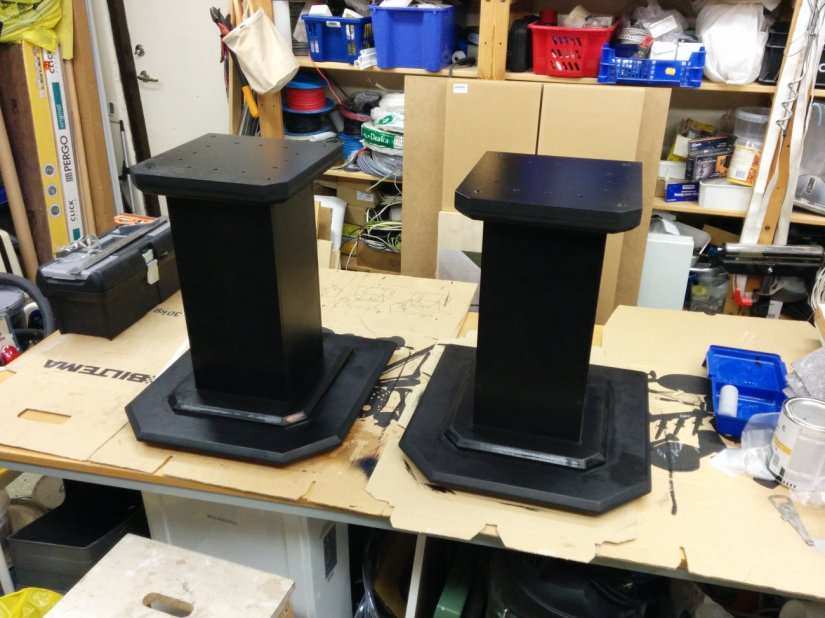 Speaker stands first coat